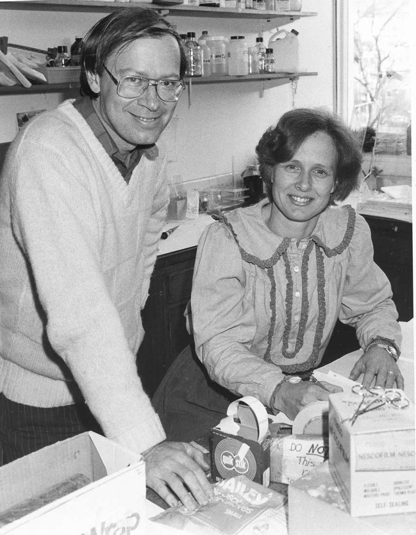 Professor Jerry Adams and Professor Suzanne Cory in the laboratory.