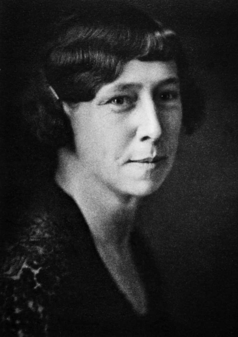 Black and white portrait of Miss Fannie Eleanor Williams