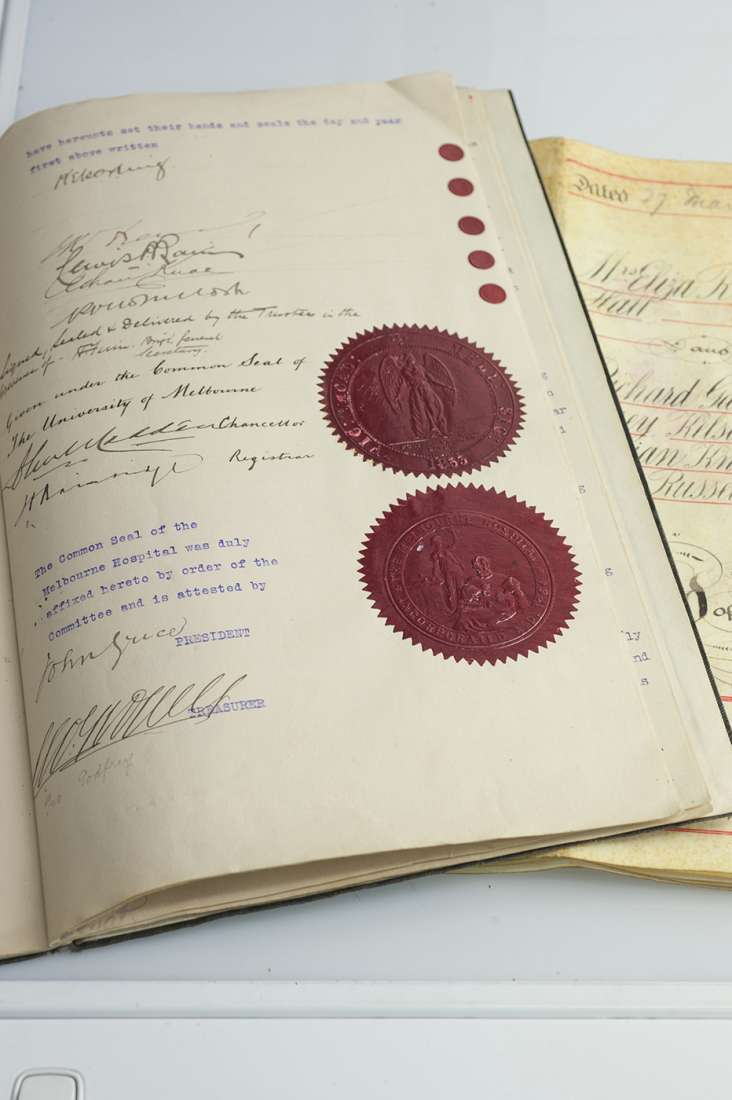 The signed agreement is confirmed by the Common Seal of the Melbourne Hospital.